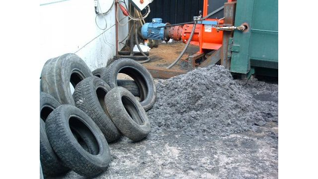 Tyres and Tyre Textil ready for Compacting