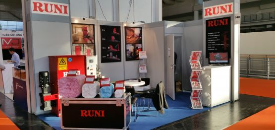 RUNI Fair Showroom Screw Compactor for Compaction and Dewatering
