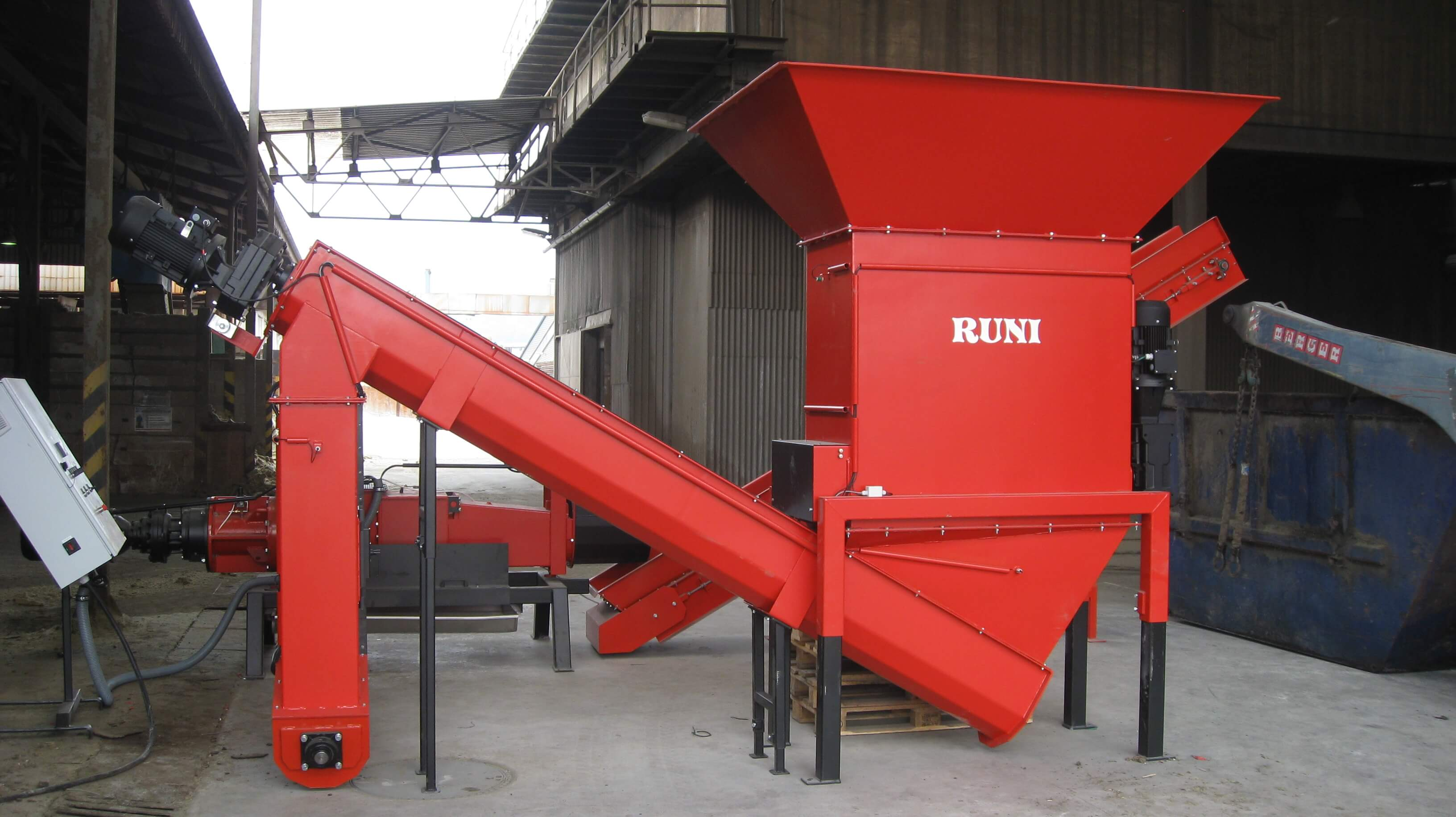 RUNI Screw Compactor with Transporting Screw